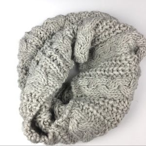 🆕 Cable Chunky Knit Scarf Neck Warmer Gray Cream